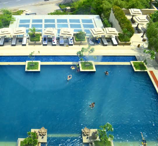 Vivanta by Taj, Surajkund, pool