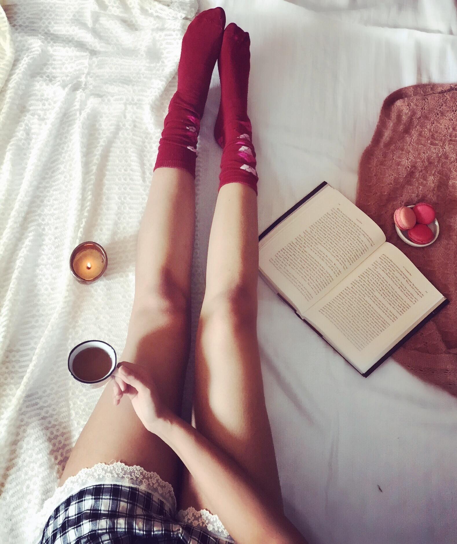 Book Morning Flatlay