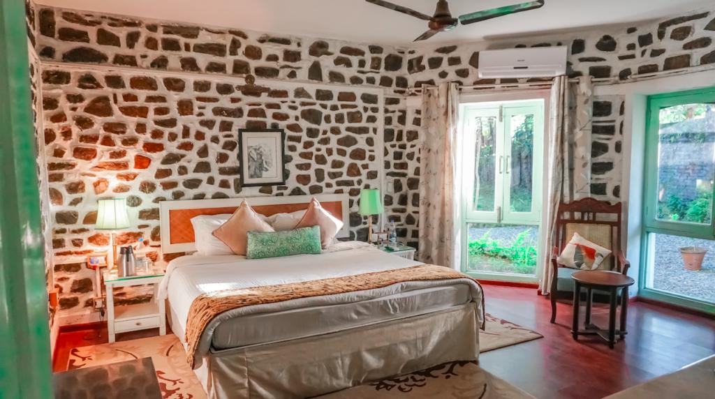 Room at The Bungalows Lakeside, Naukuchiatal